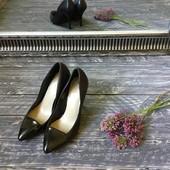 Идеальные кожаные туфли-лодочки с лаковым носочком M&S р-р 36
