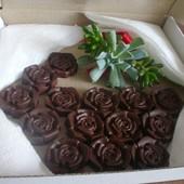 Шоколадна корзинка цукерки handmade із подарунком