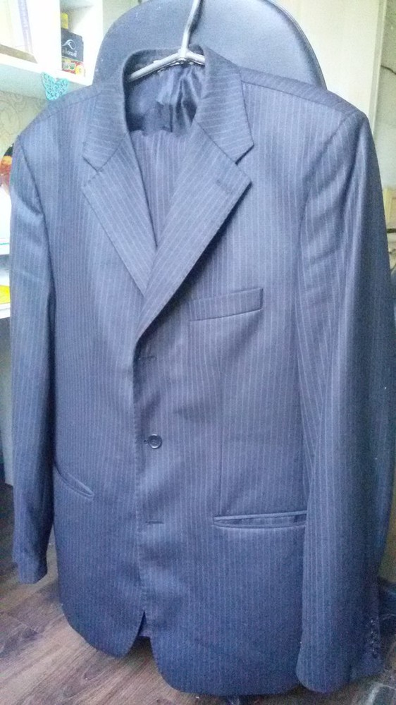 Мужской костюм, тёмно-серого цвета..размер 52- 54 фото №2