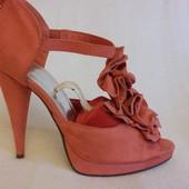 Оригинальные босоножки, туфли фирмы H&M p. 37 стелька 24 см