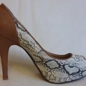 Отличные туфли фирмы Exquily p. 38 стелька 24,5 см