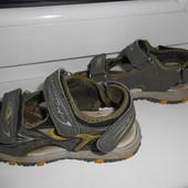 Босоножки сандалии 29 раз( 18-18,5 см)