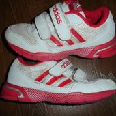 Фирменные Adidas оригинал легкие летние кроссовки девочке на 28 размер