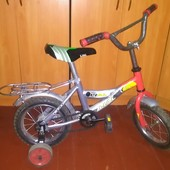 """Двухколесный детский велосипед 10"""" в хорошем состоянии"""