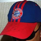 Фирменная кепка Adidas (Адидас) ф.к Бавария .м-л-хл .