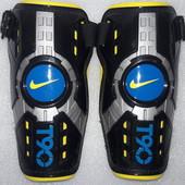 Щитки , защита для голени , экипировка футбольная Nike T90 M