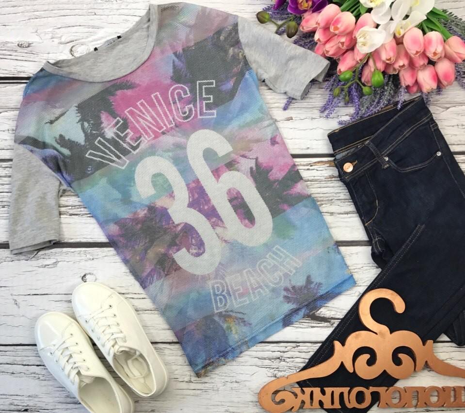 Модная футболка с винтажным принтом из комбинации сетки и меланжа  ts30001 фото №1