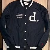 Красивая деми куртка Diamond,размер S.