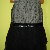 Нарядное платье 140-146 рост, в отличном состоянии. Длн - 72 см, ширина подмышек - 35 см. 100 грн.