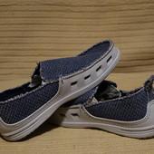 Отличные комбинированные фирменные мокасины серо-голубого цвета Crocs  40 р.