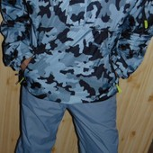 Фирменная спортивная курточка хаки бренд Billabong (Биллабонг) л-хл .