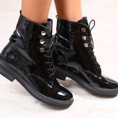 Женские ботинки, черные, лаковые, на шнурках