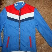 Куртка деми на девочку 140 р