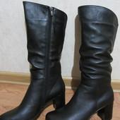 Демисезонные и зимние кожаные сапоги, каблук, на широкую ногу