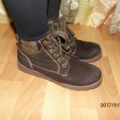 (i149)стильные зимние ботиночки 39 р Германия