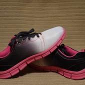 Легчайшие эффектные синтетические фирменные кроссовки River Island 5.
