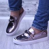 Женские слипоны туфли лаковые бронза