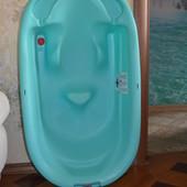 Детская ванночка с анатомической горкой. Италия.