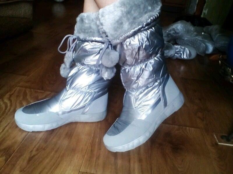 Новая мода супер сапожки-дутики серебро ! фото №1