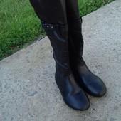Осенние сапоги для девочки.  размер 29. Длина по подошве 19,5 см, будут на ножку 18 - 18,5 см. Идут
