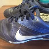 Продам бутсы-сороконожки Nike original 33р.