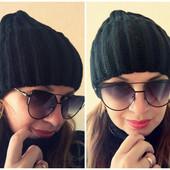 Модная женская шапка-бини черная вязанная в наличии
