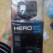 Камера GoPro 5 black с селфипалкой и картой памяти 32ГБ