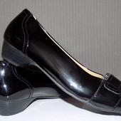 Кожаные фирменные туфли на широкую ножку Hotter 40 р - Новые
