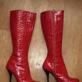 Гламурные кожаные сапоги Zalini 39р. смотрим фото.