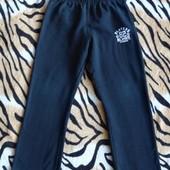 Черные трикотажные штаны для мальчика на возраст 5 - 6 лет
