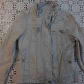 Демисезонная курточка на девочку 8-10 лет