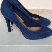 Шикарні замшеві туфлі Jessica Simpson