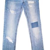 Фирменные джинсы Zara girls casual  с модными прорехами 9/10 лет. Рост 140 см.