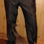 Брендовие нарядние стильние брюки George л-хл .34 .