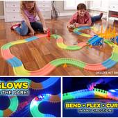 Magic Tracks светящийся игровой набор на 220 деталей