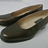 Фирменные кожаные туфли Globo Oppus (Бразилия) на каблуке. Размер 36-37