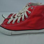 Фирменные высокие красные кеды Converse размер 37 длина стельки 23 см.
