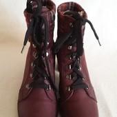 Брендовые кожаные ботинки фирмы Marc ( Германия) р. 39 стелька 25,5 см