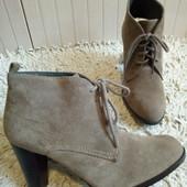 Ботинки із нат.замші зовні і нат.шкіри зсередини 37 р-р і устілка 23,5 см.