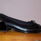 Кожаные фирменные женские стильные туфли Gabor 39 р сост новых
