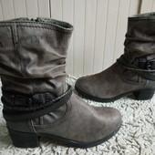 S.Oliver Утеплені Ботинки із еко-замші 39 р-р і устілка 25,5 см.