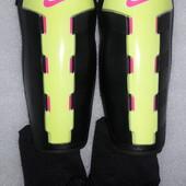 Щитки , защита для голени , экипировка футбольная Nike M 160-170 см