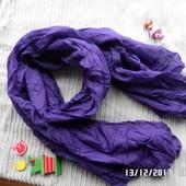 яскравий насичений шарф