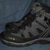 Лот №0364 Ботинки для трекинга Rocktrail с системой Waterproof (размер 44)