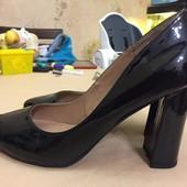 Новые лаковые туфли Dorothy Perkins , 41 р.