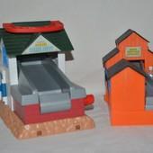 разные здания к железной дороге паравозик томас Thomas & Friends TOMY