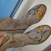 Шикарные замшевые ботинки с вышивкой от minelli