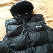 Тёплая фирменная жилетка с капюшоном Adidas р.50-52