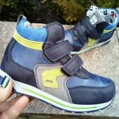 Демисезонные ботинки для мальчика фирмы Солнце размер 29,30  синие