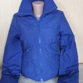 Куртка приталенная утеплённая синяя divided 34 / 6 / xs